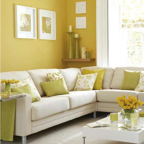 Màu vàng ấm cúng cho phòng khách mùa đông