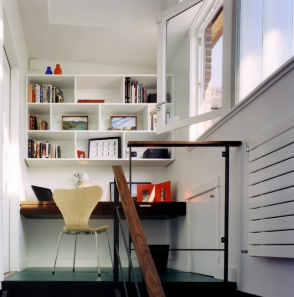 sử dụng không gian khúc ngoặt của cầu thang